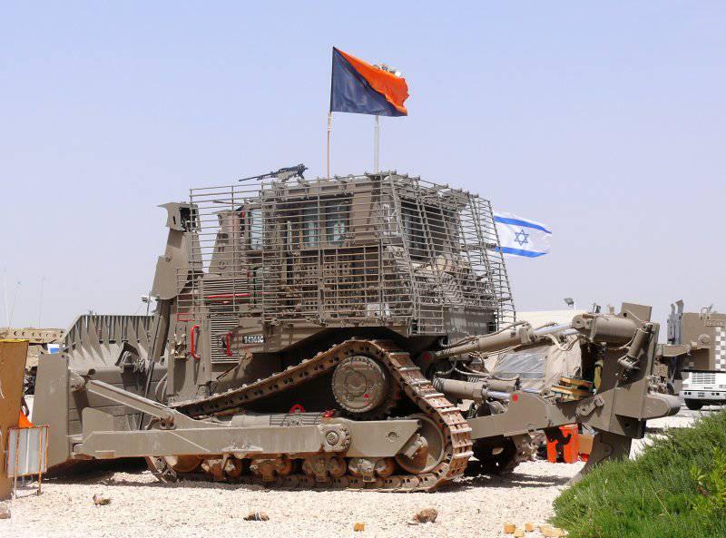 Израильский неуязвимый 60-тонный робот-бульдозер удваивает свои силы