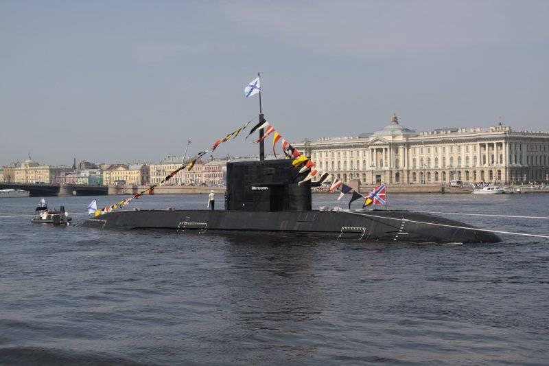 http://topwar.ru/uploads/posts/2012-03/thumbs/1332559301_B-585_Sankt-Peterburg_in_2010.jpg