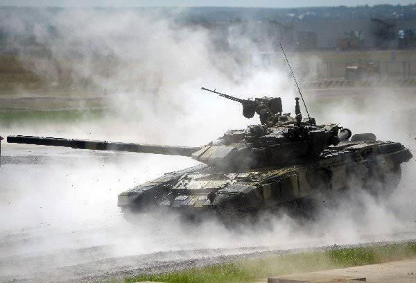 Defexpo-2012에서 협상하는 동안 Uralvagonzavod는 T-90MS 탱크를 포함한 러시아 무기의 인수 가능성에 합의했습니다.