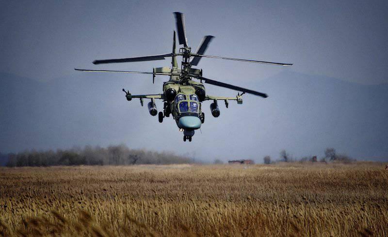 チェルニゴフカ空軍基地での戦闘ヘリコプターの訓練飛行