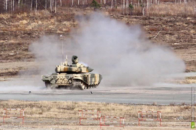 Рогозин посетил Нижний Тагил, пострелял из танка и пушки