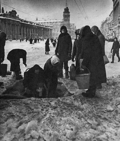 Partita di calcio a Leningrado assediata