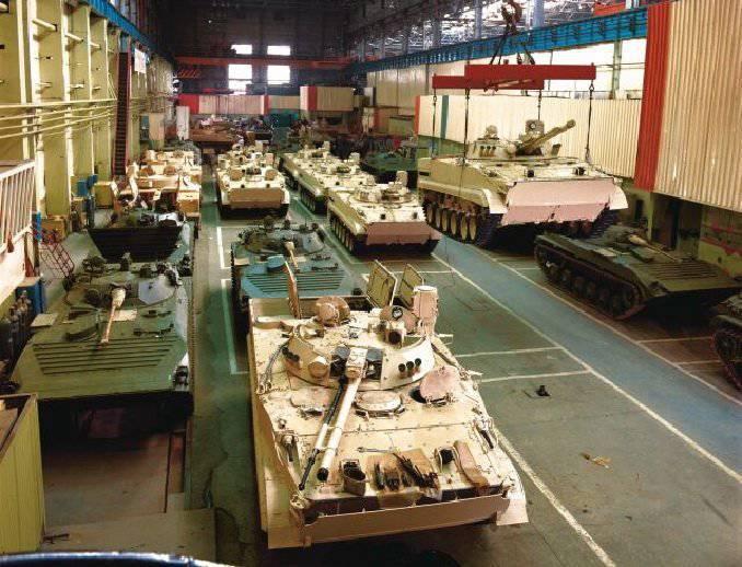क्या रक्षा उद्योग रूसी अर्थव्यवस्था का इंजन बन सकता है?