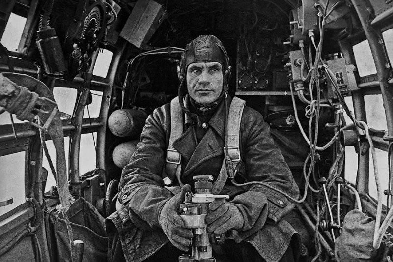 Классика военной фотографии Евгения Халдея