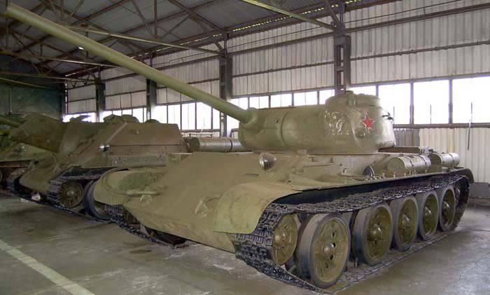 Т-44М: