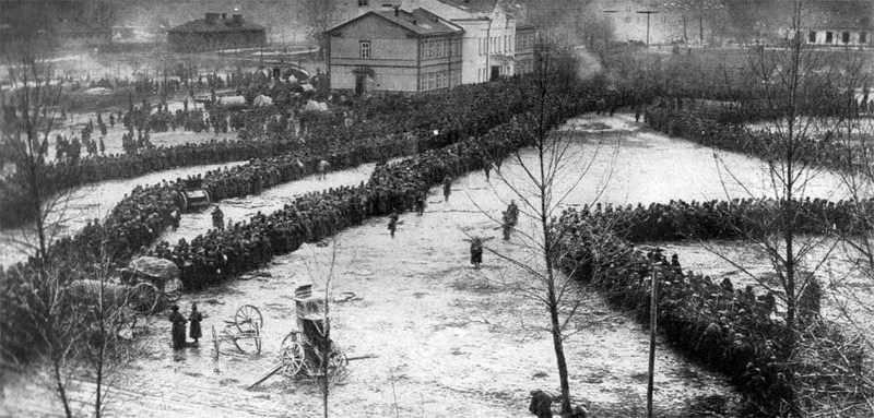 इतिहास के काले धब्बे: पोलिश कैद में रूसियों की त्रासदी