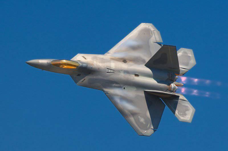 http://topwar.ru/uploads/posts/2012-06/thumbs/1339675791_Lockheed_Martin_F-22A_Raptor_JSOH.jpg