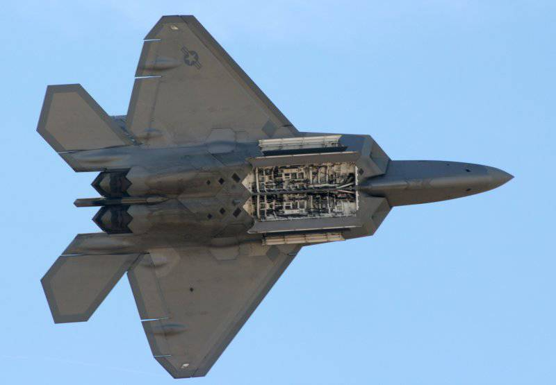 http://topwar.ru/uploads/posts/2012-06/thumbs/1339675883_F-22_Raptor_Internal_Weapons_Bay.jpg