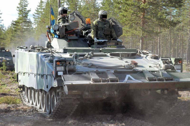 https://topwar.ru/uploads/posts/2012-06/thumbs/1341026105_CV-90_ARV_armoured_recovery_vehicle_ArmyRecognition_Forum_001.jpg