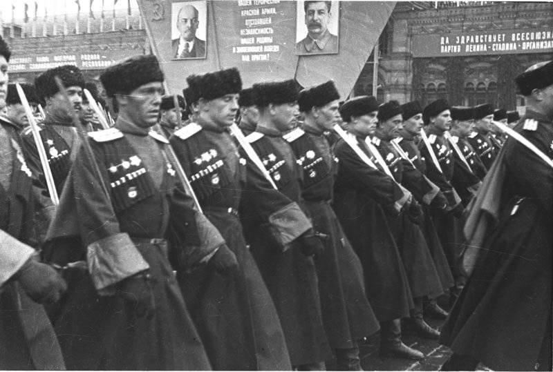 위대한 애국 전쟁에서 코사크 : 신앙과 조국을 위해!