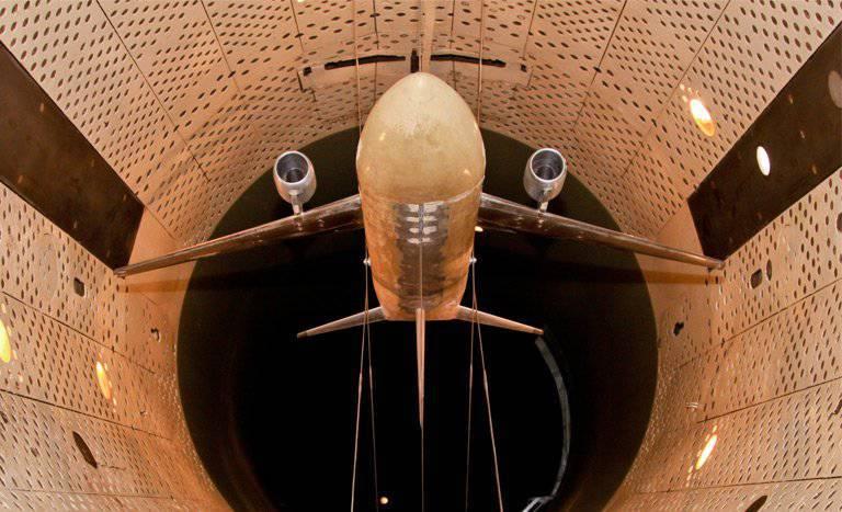 """En TsAGI probamos el modelo de avión en perspectiva """"Fragata Ecojet"""""""