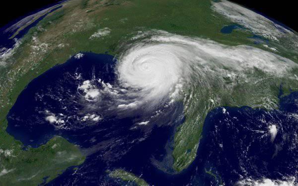 http://topwar.ru/uploads/posts/2012-07/thumbs/1341288951_Katrina1615z-050829-1kg12.jpg