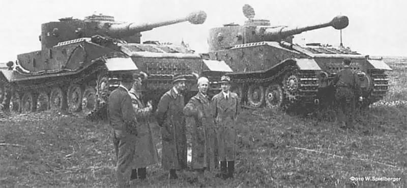 """Les véhicules blindés de l'Allemagne dans la seconde guerre mondiale. Pistolet d'assaut """"Ferdinand"""""""