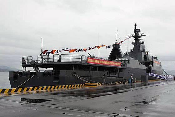 베트남은 인도와 함께 러시아 해군 장비의 최대 고객이되었습니다.