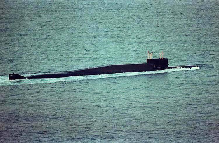 """核潜艇与弹道导弹。 项目667-BDRM""""海豚""""(Delta-IV级)"""