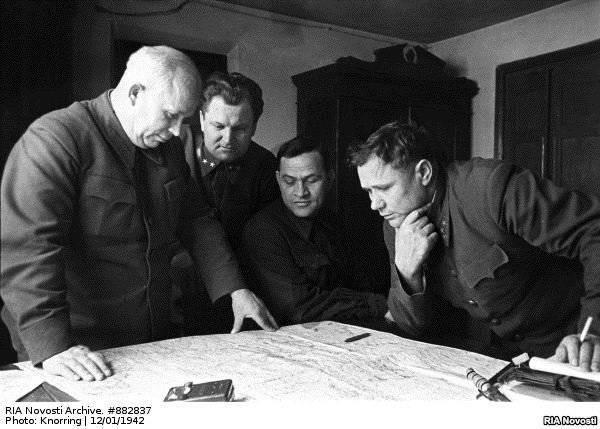 """""""Non credo che nessun esercito occidentale sopravviverà a Stalingrado"""" (Radio Free Europe / Radio Liberty)"""
