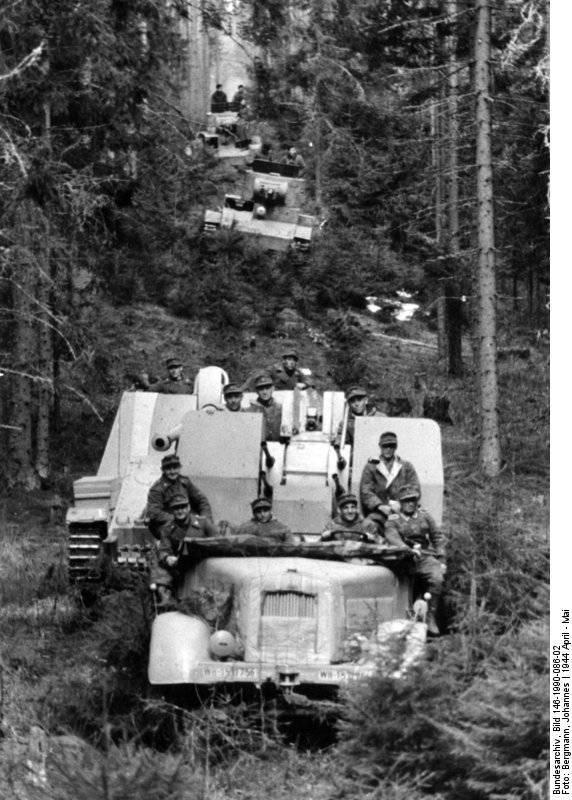 "स्व-चालित एंटी टैंक गन Sd.Kfz.164 ""नाशोर्न"""
