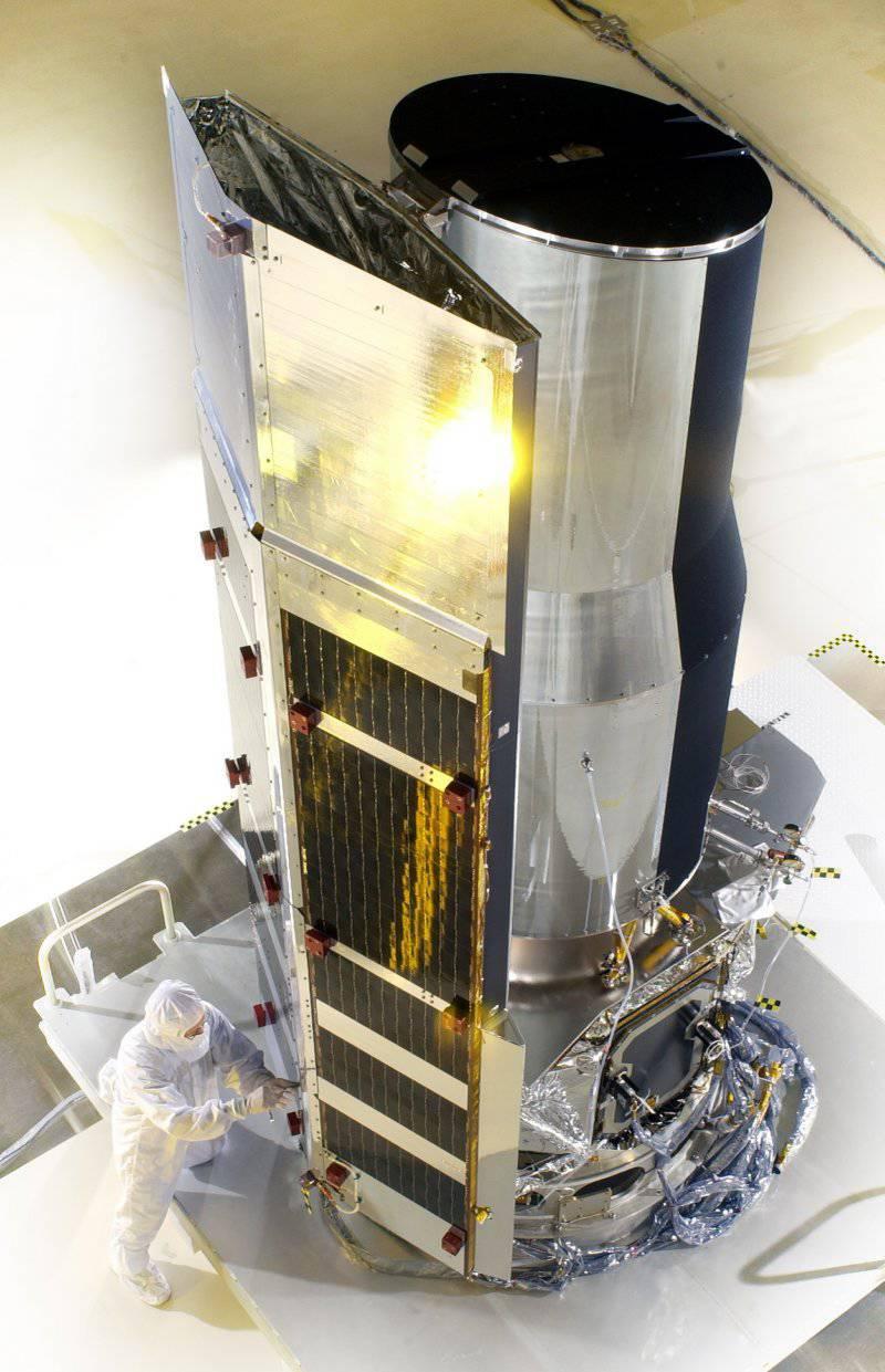 http://topwar.ru/uploads/posts/2012-09/thumbs/1348002748_spitzer-_telescopio.jpg