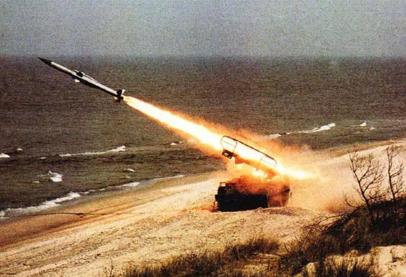 """Дивизионный самоходный зенитный ракетный комплекс """"Куб"""""""