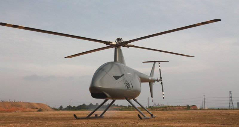 最初の中国人の無人機が空中で上がった