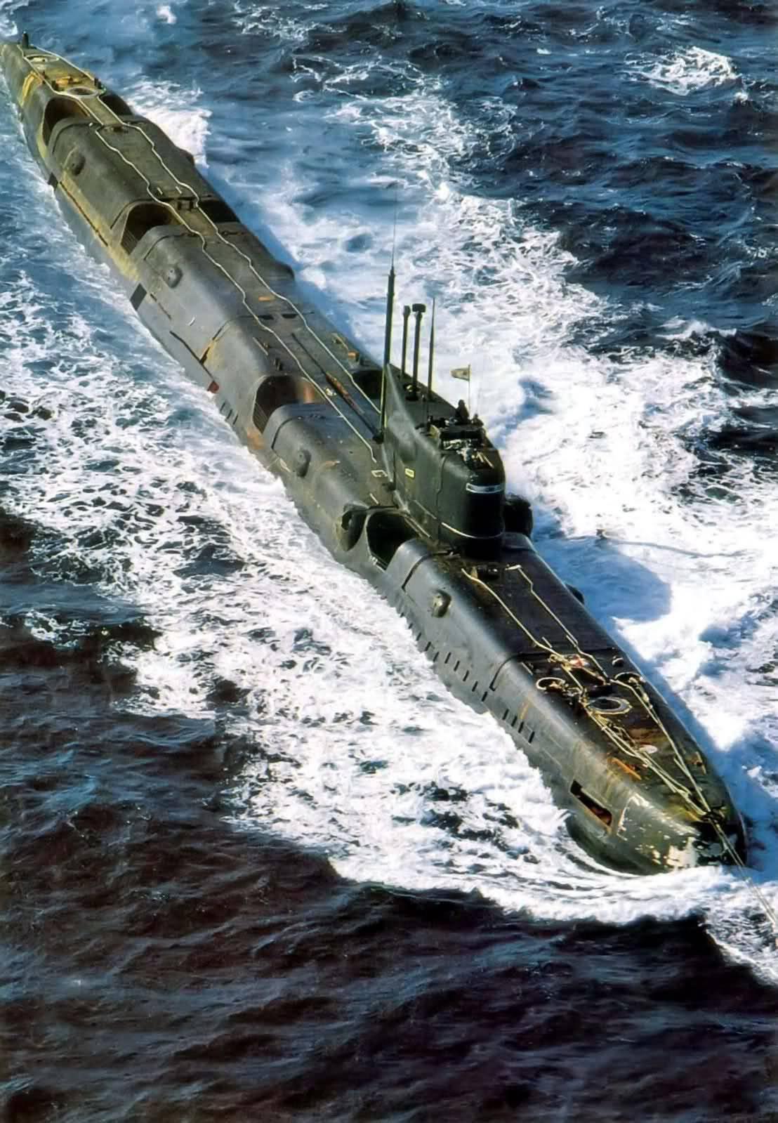 ...Арктика-М, комплексом навигационных систем Сила-Н-675, гирокомпасом Маяк, астронавигационной системой...