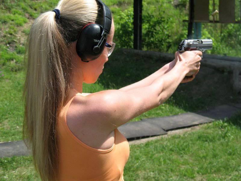 銃器からの射撃:できるかどうか