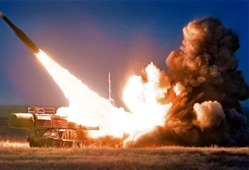 """Армейский самоходный зенитный ракетный комплекс """"Бук"""""""