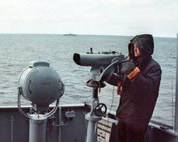 国防省は潜水艦潜水艦を海底から持ち上げる