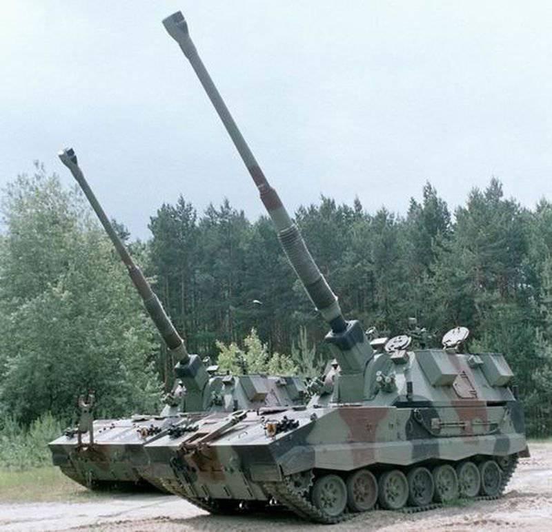 自走式の「カニ」はポーランドのユニットによって採用されます