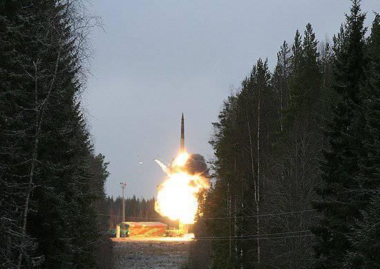 Un lancement réussi d'entraînement au combat de la fusée RS-12M Topol a été effectué à partir du cosmodrome de Plesetsk