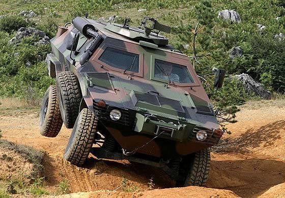Kazajstán amplía la cooperación técnico-militar con Turquía