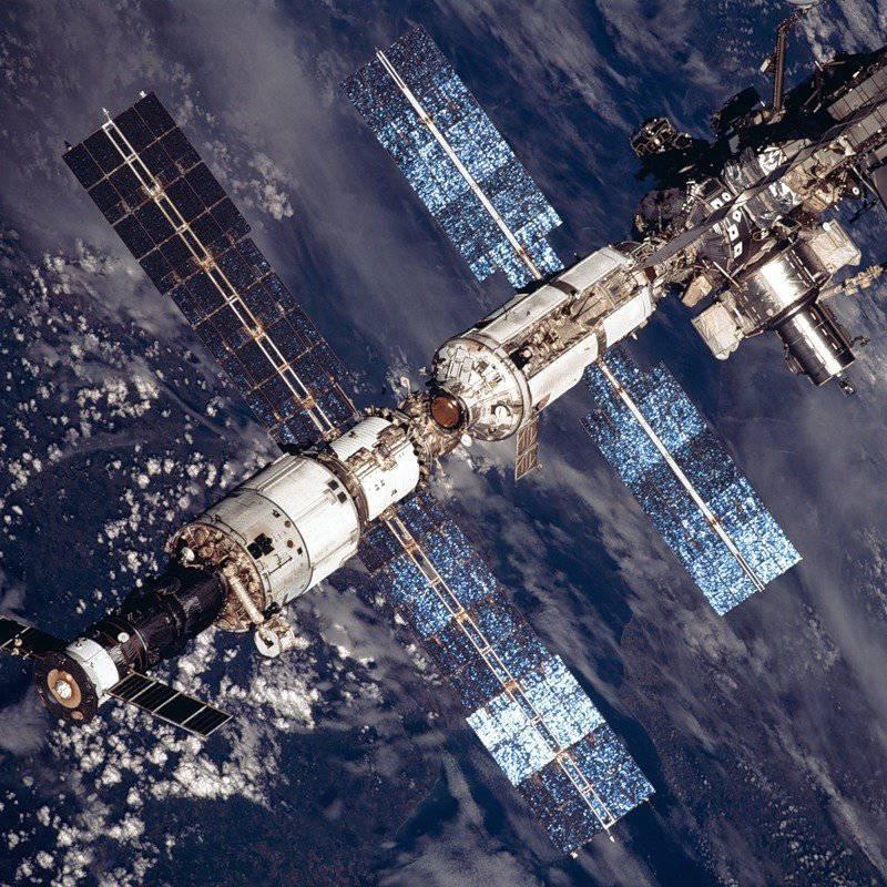Briz-M etapa superior colapsada en órbita