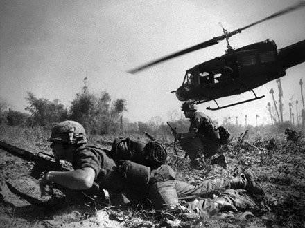 Invasões Vietcong e emboscadas