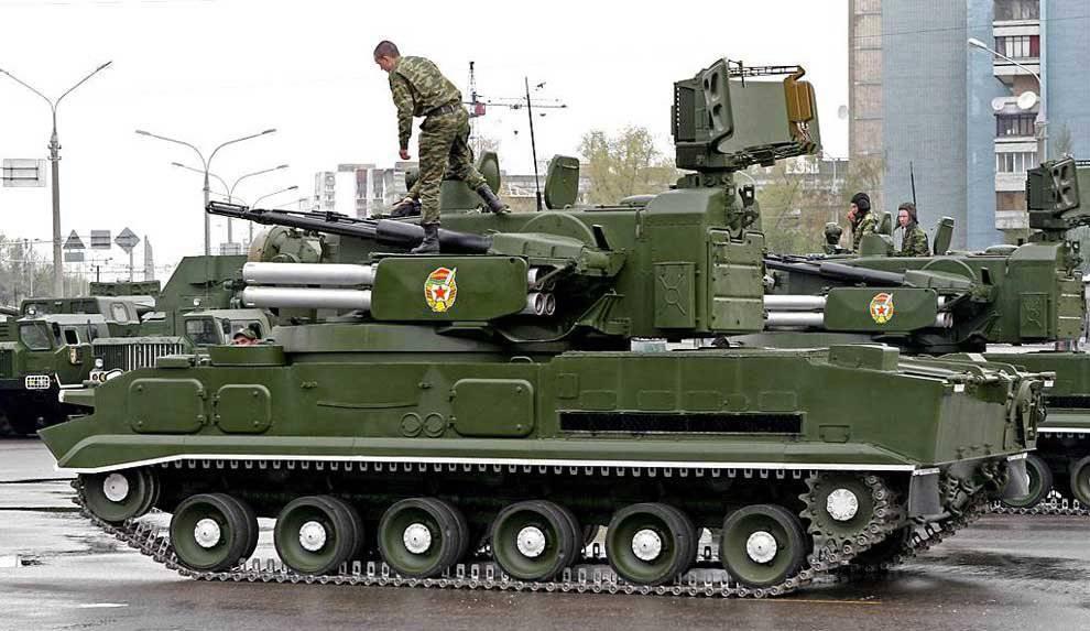 """Зенитный ракетно-пушечный комплекс 2К22  """"Тунгуска """" ."""