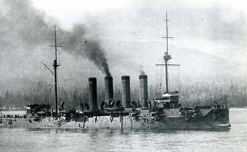 1 ноября на воду спущен крейсер «Варяг»