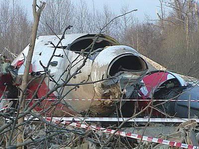 Polonya gazetesi Tu-154 Kaczynski'nin molozunda patlayıcılar icat etti
