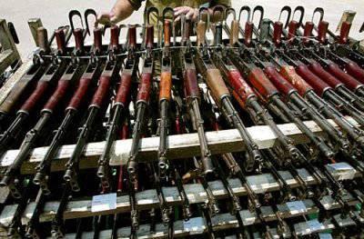 Утилизировать или хранить старое стрелковое оружие на армейских складах?