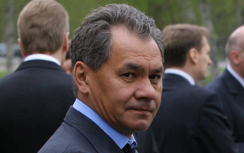 ShoiguはSuvorovとNakhimovの学生に勝利パレードに参加する権利を返した