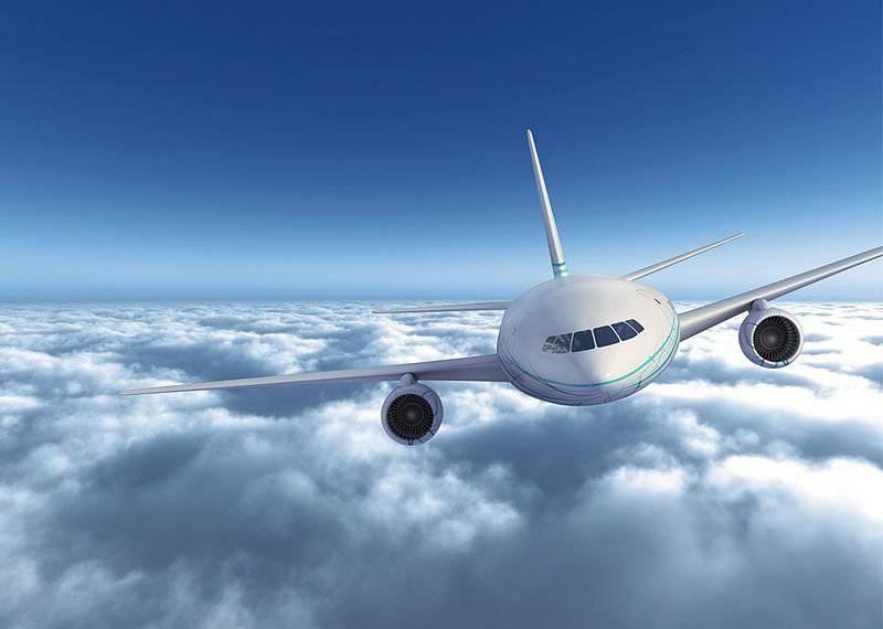 """Los aviadores rusos están probando el innovador proyecto de pasajeros """"Fragata Ecojet"""""""