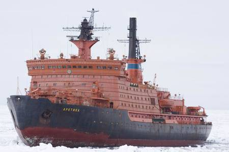 Century Russian Arctic. Challenges to sovereignty and retaliation