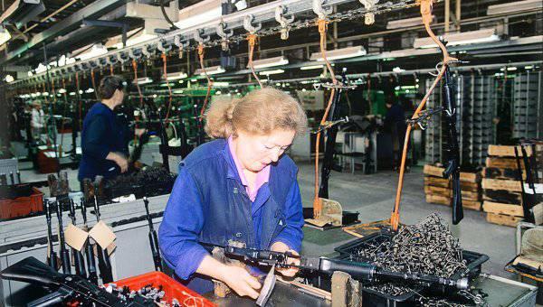 """Las exportaciones de la compañía de armas """"Izhmash"""" aumentaron en 12 cada dos años"""