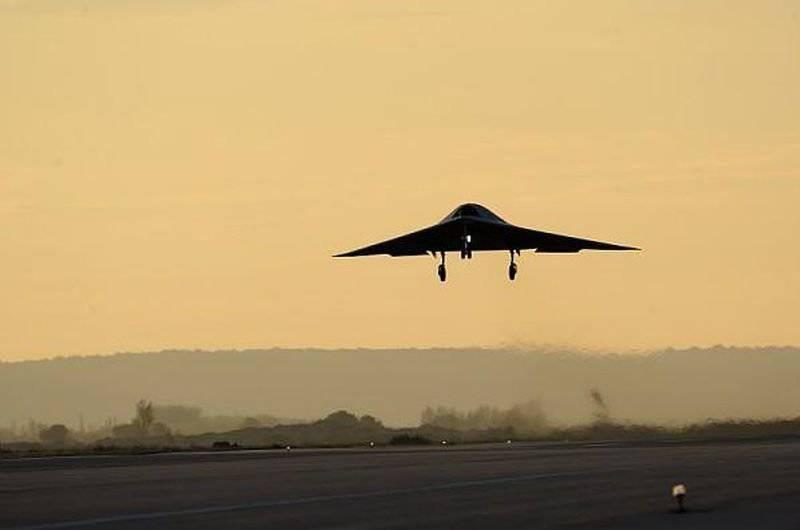 एक झटका यूएवी nEUROn के सिर प्रोटोटाइप पहले आसमान पर पहुंचे