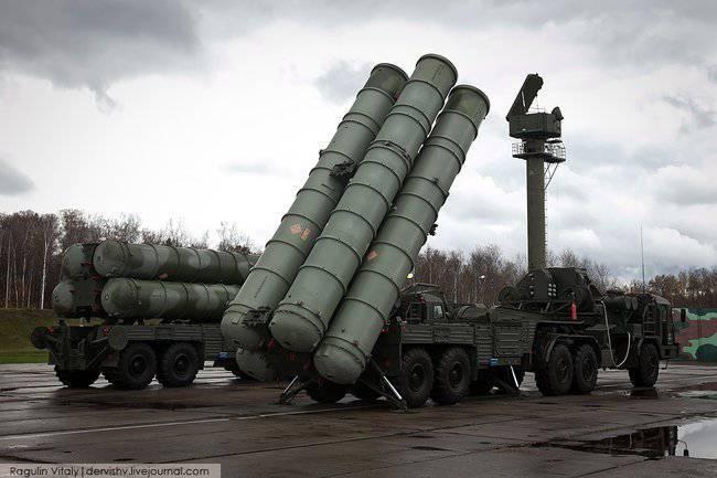 """Las tropas de EKR en 2013 recibirán un regimiento """"C-400"""" y la batería """"shell"""""""