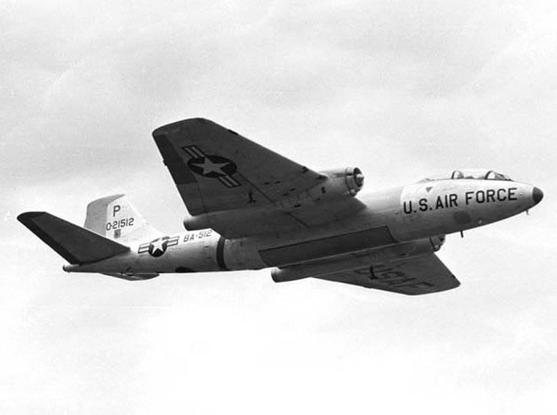 Тактический американский самолет b 57