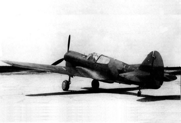 """Ases soviéticos en Lend-Lease Fighters. Parte de 2. """"Tomahawks"""" y """"Kittyhawks"""""""