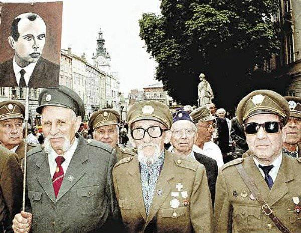 राड़ा में बंदेरा के बारे में। उन्हें याद दिलाना होगा कि Ukrainians किसके लिए लड़े।