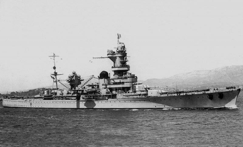 フランス艦隊:ハンマーとアンビルの間