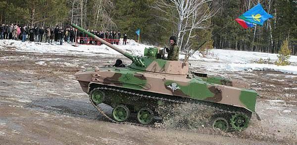 """BMD-4M के लिए """"बैटल"""": पैराट्रूपर्स ने जीत हासिल की"""
