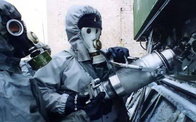भूराजनीतिक मोज़ेक: सीरिया में रूसी रासायनिक हथियार ले जाते हैं, जबकि अमेरिकी नागरिक राइफल, पिस्तौल और अधिक महंगे स्टोर हड़प लेते हैं