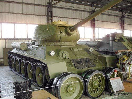 """Tanque experimentado T-34-85 modelo 1960, """"Objeto 135"""""""